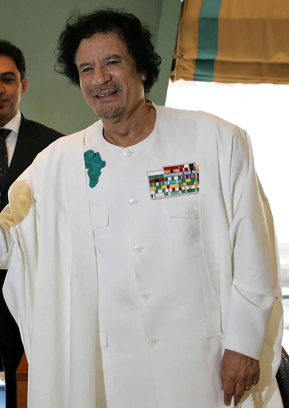 Gaddafi Scam By Ricardo Stuckert/PR - Agência Brasil [1], CC BY 3.0 br, https://commons.wikimedia.org/w/index.php?curid=2239934